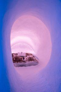 ICEHOTEL 29 Kaamon aurinko - the sun of the polar night. Design Katharina Wyss and Veronika Mayerböck. Photo Asaf Kliger
