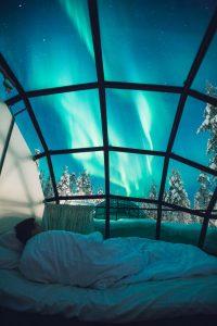 Kakslauttanen-glass-igloo-bed-3
